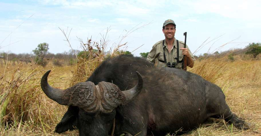 Buffalo, Hippo & Tuskless Elephant Hunt