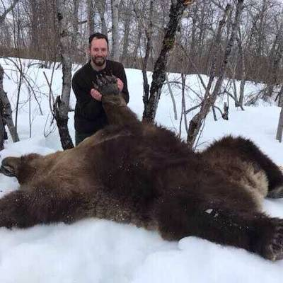 Spring Coastal Brown Bear Hunt