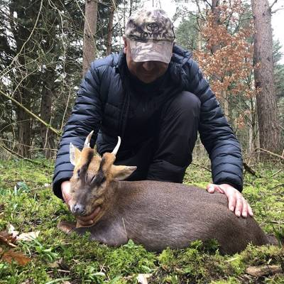 Muntjac Deer Hunt 2x1