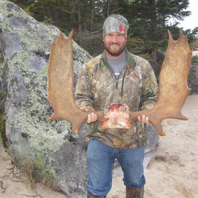 Newfoundland Moose/Bear Combo Hunt 2020